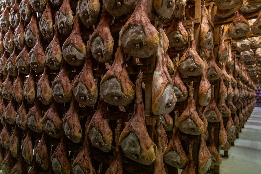 SAN DANIELE RAW HAM, AN EXCELLENCE TO DISCOVER