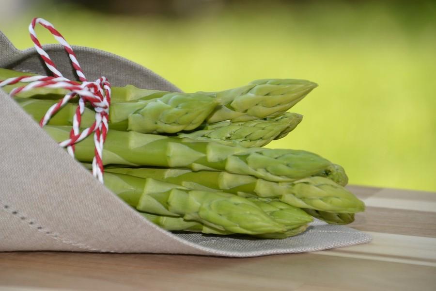 Rotolini con gli asparagi